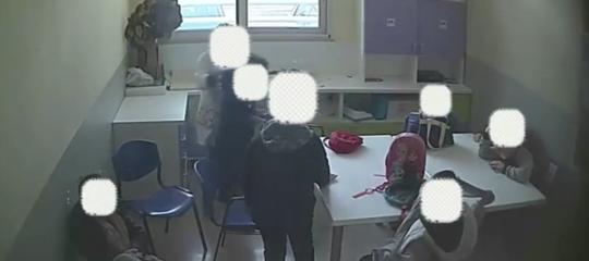 Maltrattamenti minori autistici educatrici arrestate Bari