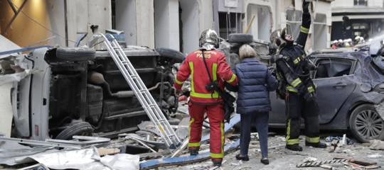 """Il padre dell'italiana ferita a Parigi: """"Lesioni alla gamba e alla mano, Angela operata"""""""