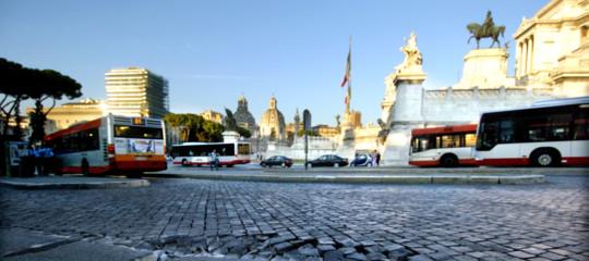 Automobilista ben risarcito a Roma per i danni di una buca stradale. Ora pioveranno i ricorsi?
