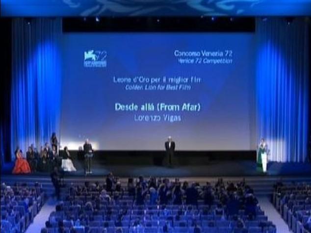 Venezia Cinema: Leone d'Oro a 'From Afar' di Vigas, Coppa Volpi a Valeria Golino