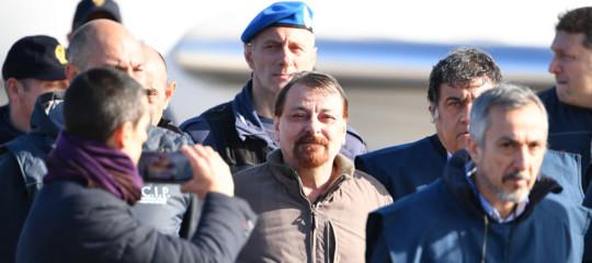 Cos'è l'ergastolo ostativo che deve scontare Cesare Battisti