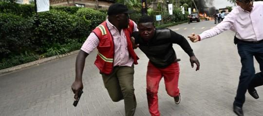Kenya esplosione spari hotel Nairobi