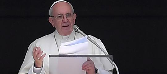 Migranti, Papa Francesco: prego per chi ha la responsabilità di 170 morti