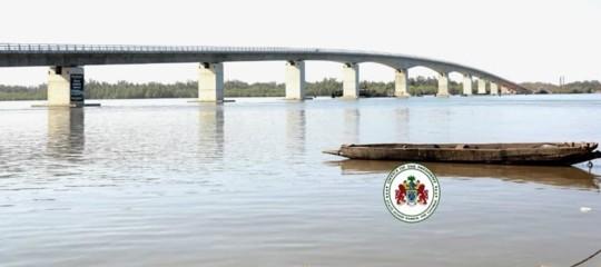 Il nuovo ponte sul fiume Gambia che unisce due paesi e due popoli