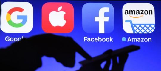 AppleAmazon Facebook trimestrali