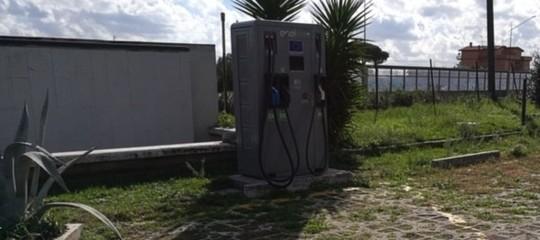 Al via il piano per l'installazione di colonnine per auto elettriche sulle autostrade