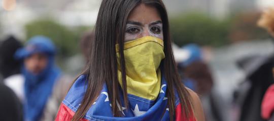 Venezuela: rilasciati i 3 giornalistiEfe, andranno in Colombia