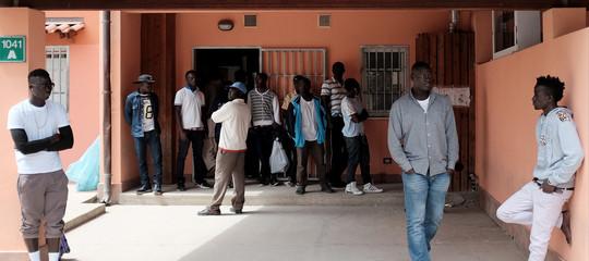 """Migranti:Viminale, """"Al via piano trasferimenti da CaraMineo, chiusura entro l'anno"""""""
