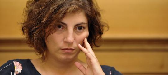 Laura Castelli ha licenziato il suo collaboratore indagato per estorsione