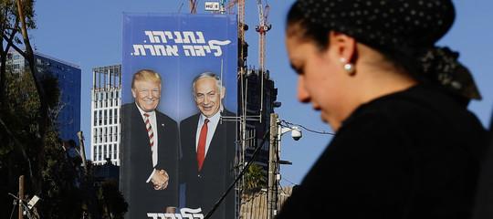 Che ci faTrumpsui manifesti elettorali di Netanyahu?