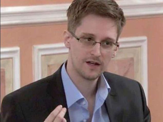 Nsagate: legale russo, Snowden sta lavorando per rientrare negli Usa