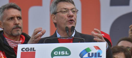 manifestazione sindacati governo