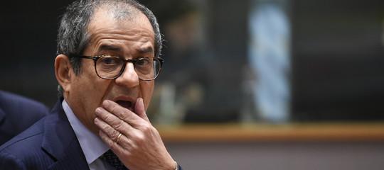 Tria si smarca e chiede di difendere l'indipendenza di Bankitalia