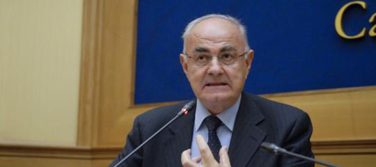 Il senatoreLannuttiè indagato per il tweet sui Protocolli dei Savi diSion
