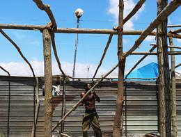 Migranti: incendio in baraccopoli San Ferdinando, un morto