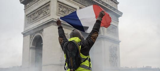 Gilet gialli scontri Parigi Nantes Tolosa