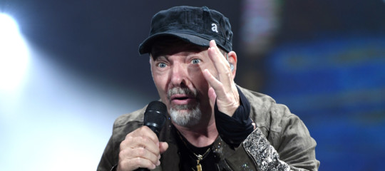 Truffa diamanti vasco rossi