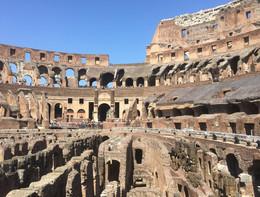 Forti raffiche di vento a Roma, chiuso il Parco archeologico del Colosseo
