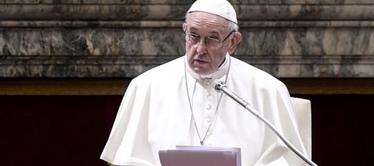 pedofilia satana papa francesco vaticano