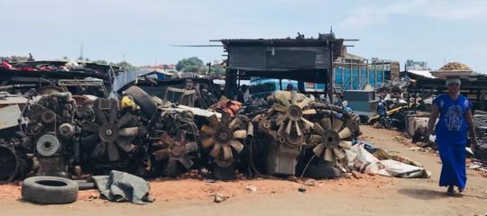 """""""Sodoma e Gomorra"""", la più grande discarica di rifiuti elettronici dell'Africa"""