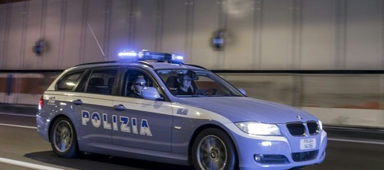 In bus da Roma a Milano e Parma con 5,6 kg di marijuana, 2 arresti