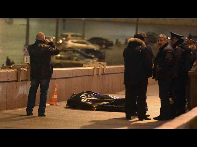 Nemtsov: in un video l'agguato, gli ultimi istanti e gli spari - Video