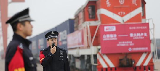 """Cos'è la """"Via della seta"""", il progetto cinese che unisce tre continenti"""