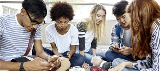 adolescenti rischio uso cellulare