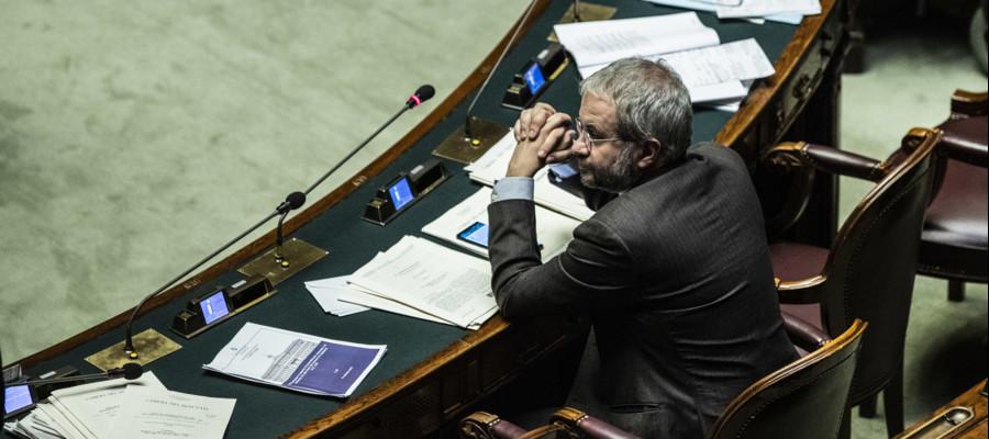 La lite via tweet tra Borghi e l'ufficio stampa dell'Europarlamento