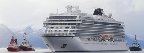 La Viking Sky arriva nel porto di Molde
