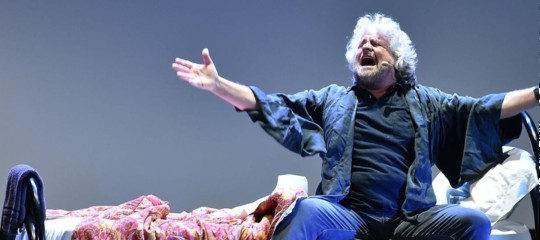 Beppe Grillo teatro insomnia