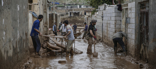 alluvione iranaiuti