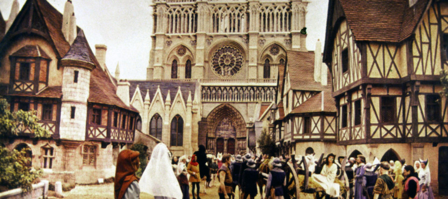 Così Victor Hugo e il suo 'gobbo' salvarono Notre Dame nel 1831