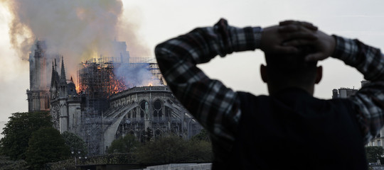 incendio Notre Dame incidente