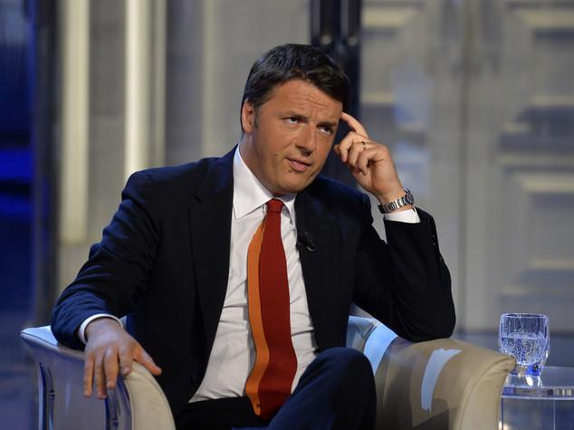 """Scuola: Renzi, rinvio assunzioni """"colpa dei 3.000 emendamenti dell'opposizione"""""""