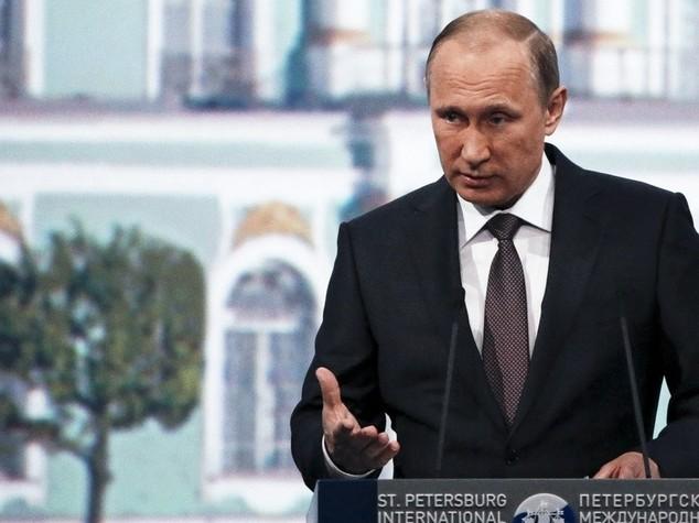 Putin minaccia la Svezia: se aderite alla Nato sarete nel nostro mirino