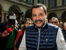 """Salva Roma: M5s, """"Salvini incredibile, basta ricatti"""""""