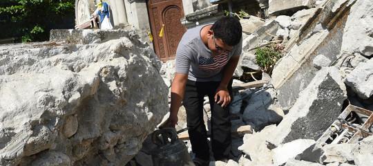 Filippine 11 morti per il terremoto