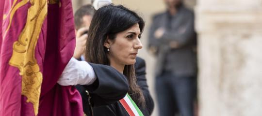 "25 aprile striscione fascista sul Gra a Roma"""