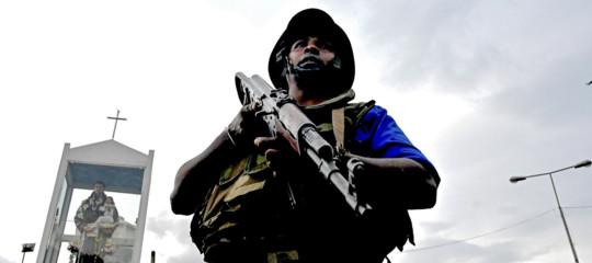 Sri Lanka esplosivi e bandiera Isis