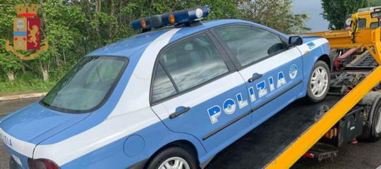 trapper auto polizia denunciato
