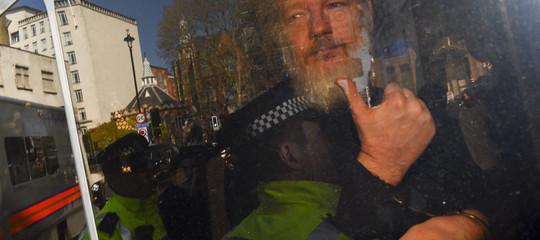 Wikileaks: Assange condannato a 50 settimane di detenzione
