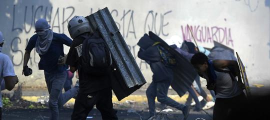 venezuela scontri feriti