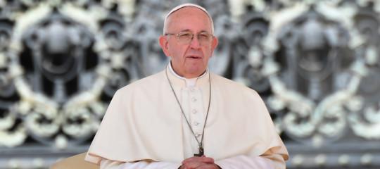 pedofilia impiccare 100 preti abusatori