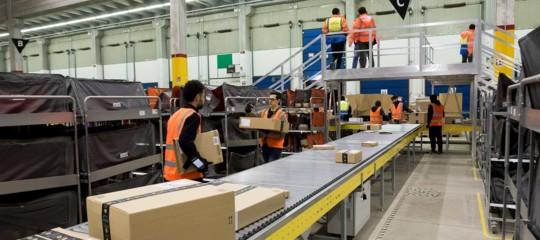 robot italiano minaccia magazzinieri amazon