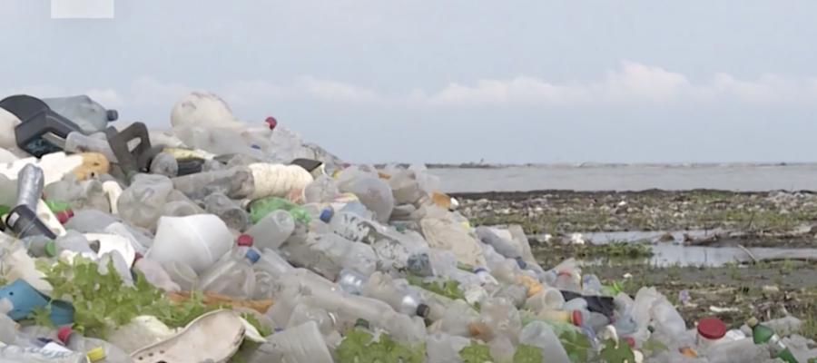 Un arcipelago nell'Oceano Indiano è stato invaso da tonnellate di rifiuti di plastica