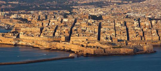 Malta: migrante ucciso, due soldati arrestati per omicidio razziale