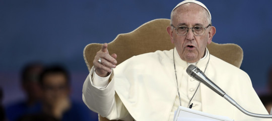 papa francesco giornalismo fake news
