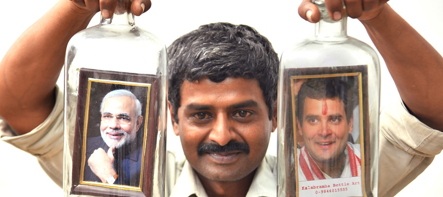 Si chiudono le urne in India. Tra Modi e Gandhi volano insulti