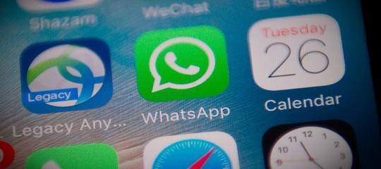 whatsapp hacker cosa fare